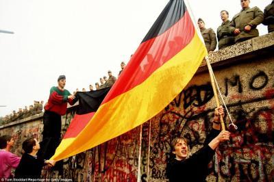 Mauerfall Freudentaumel, Schwarz-Rot-Gold, Wiedervereinigung